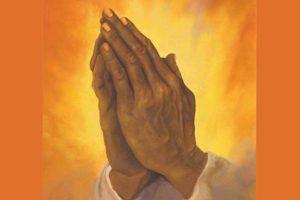 Mains en-prière
