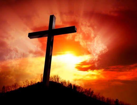 Croix au coucher de soleil